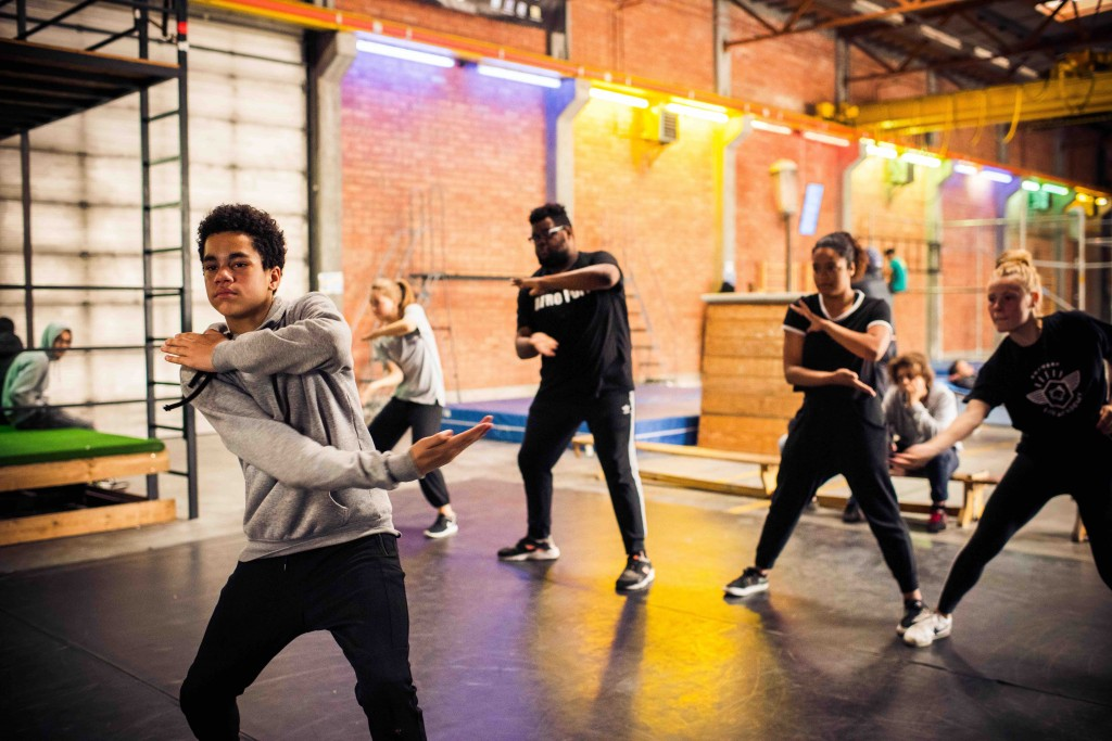 Dance workshop at the festival's Urban Hall in the Summer Factory | © Dries Luyten, courtesy of Zomer van Antwerpen