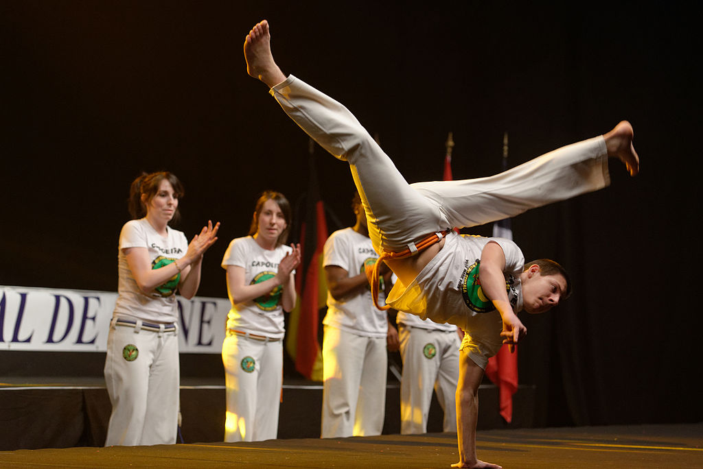Capoeira demands extraordinary balance and precision |© Jastrow/WikiCommons