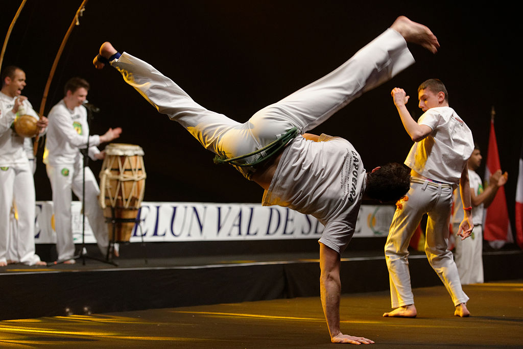 Capoeira uses a lot of lower body movements and kicks |© Jastrow/WikiCommons