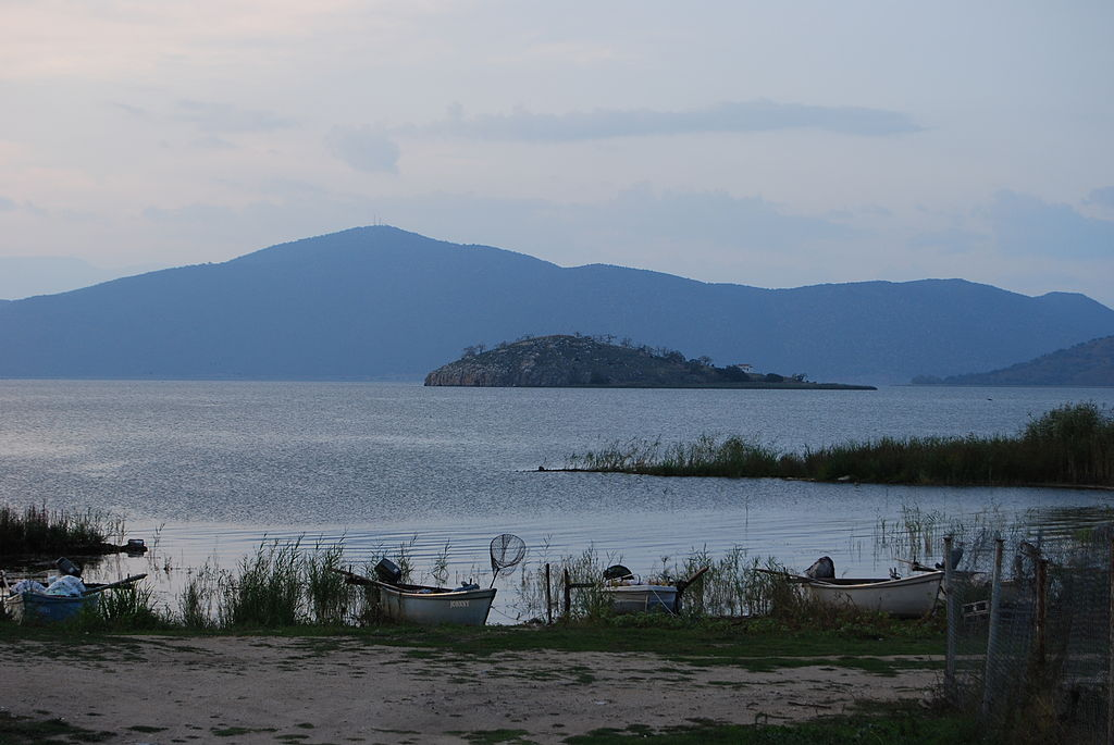Island of St. Ahil from the small Prespa Lake  © Todor Georgiev/WikiCommons