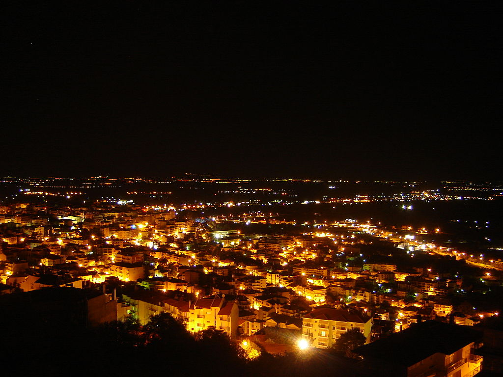 Veroia by night  © Sergiogr/WikiCommons