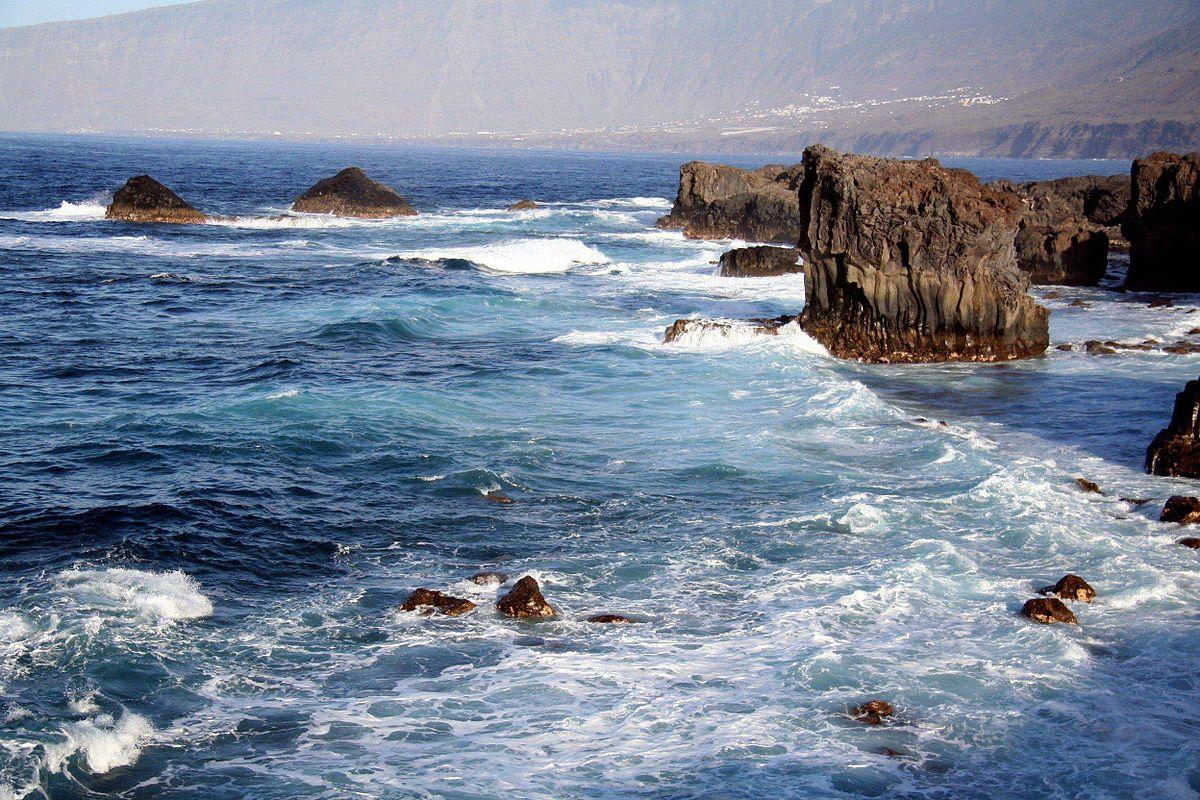 The El Golfo coastline on El Hierro   © Bjoern.Hoernitz