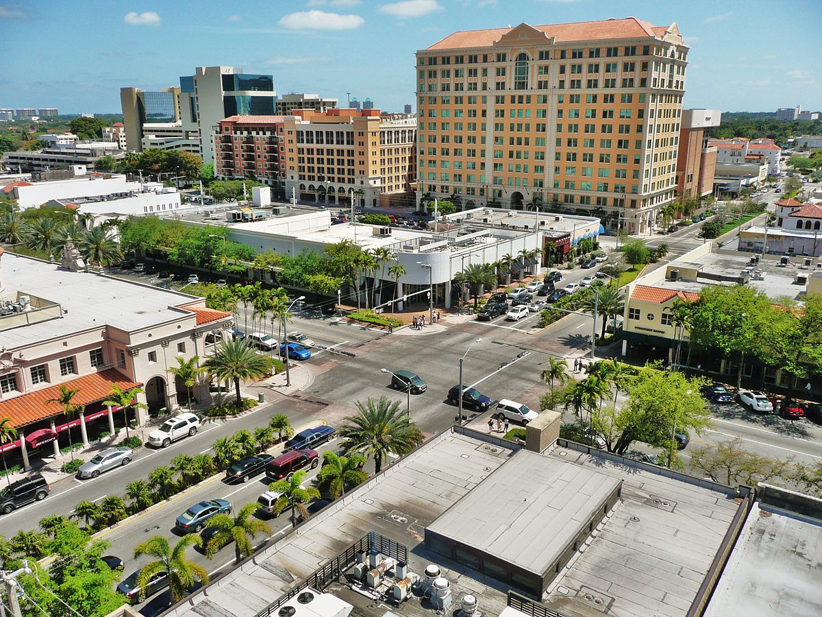 A birds eye view of Miracle Mile, Coral Gables | Wikipedia Commons