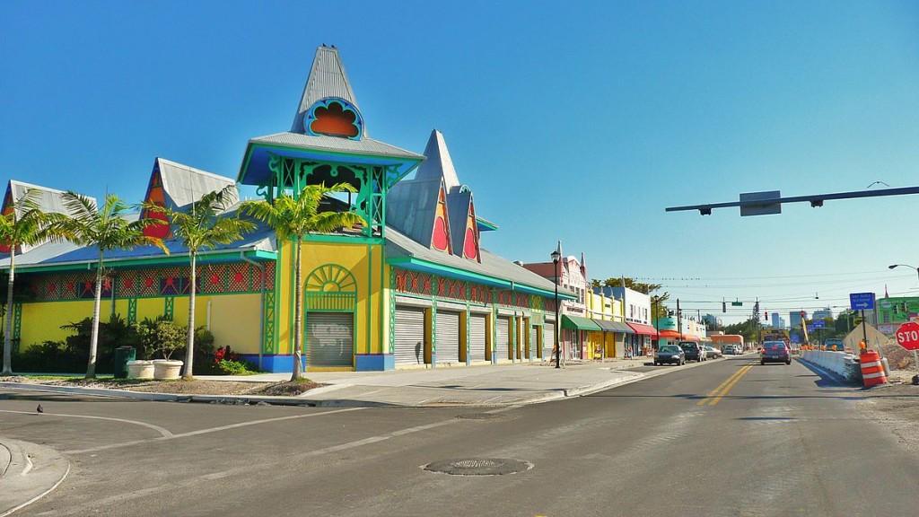 The Caribbean Marketplace, Little Haiti | Averette/Wikipedia Commons
