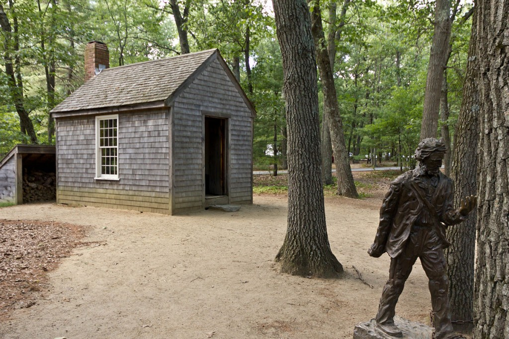 1200px-Replica_of_Thoreau's_cabin_near_Walden_Pond_and_his_statue