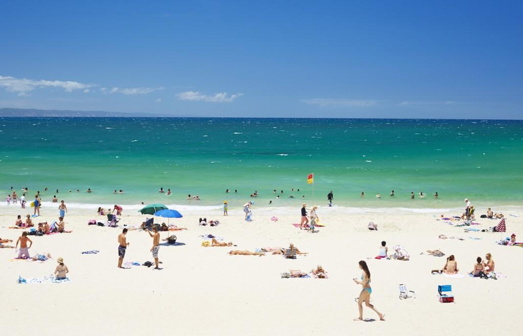 Main Beach, Noosa, Qld | Courtesy of Tourism Australia © Maxime Coquard