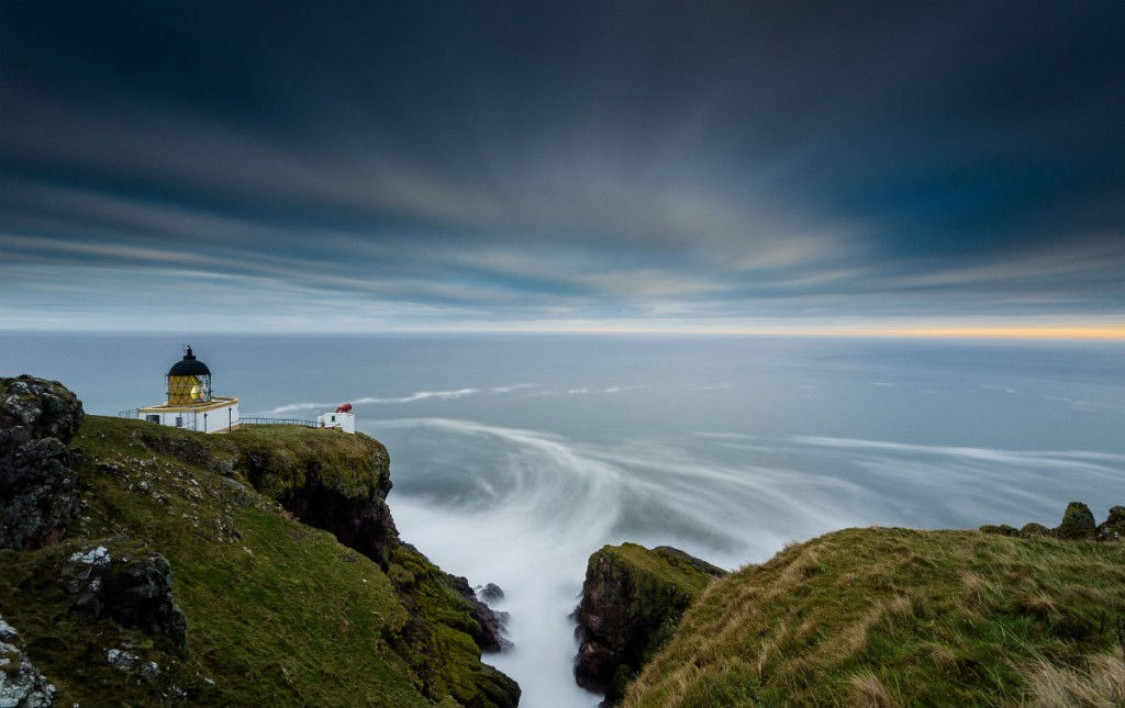 The Lighthouse At St Abbs (Cropped) | © Jonathan Combe/Flickr