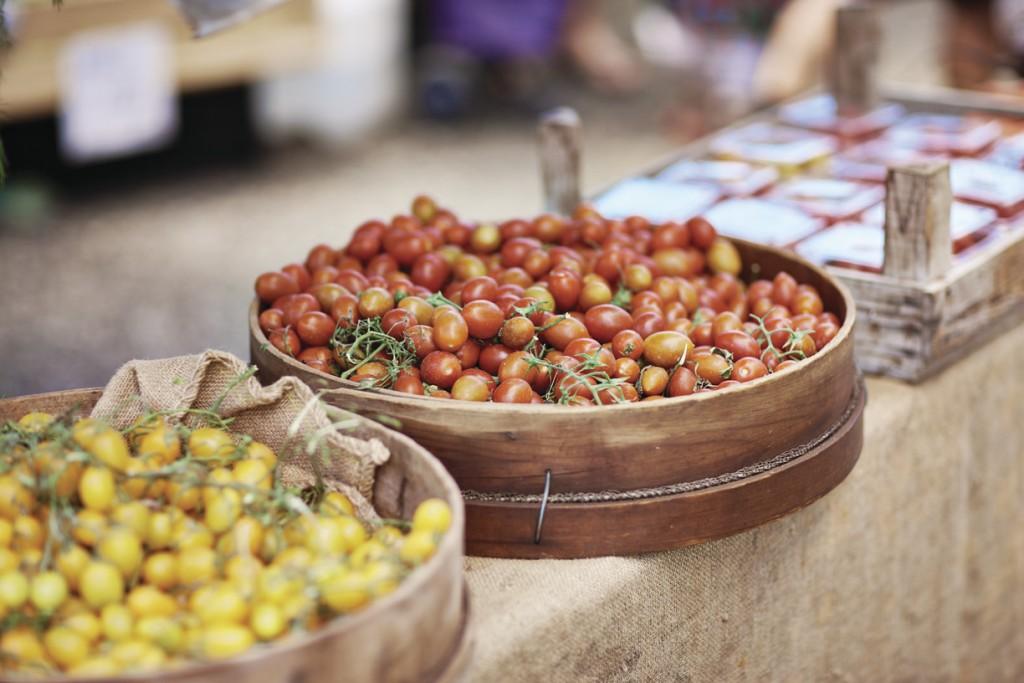 Noosa Farmers Market, Noosa, QLD | Courtesy of Tourism Australia © Jamie MacFadyen