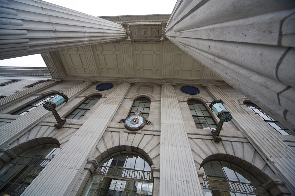 The GPO portico from the ground | © William Murphy/Flickr