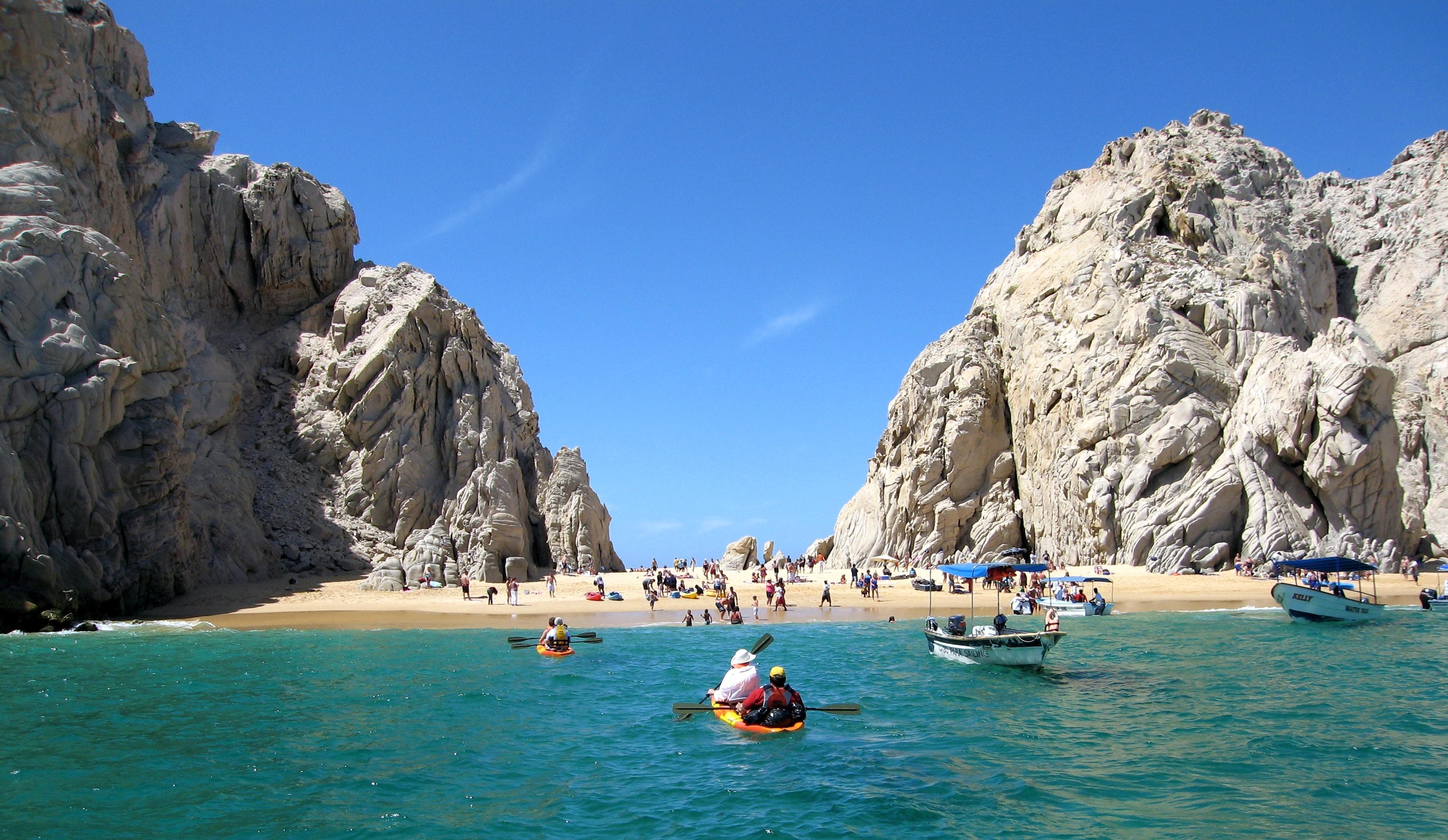 Playa del Amor, Cabo San Lucas| © brian Kong/Flickr