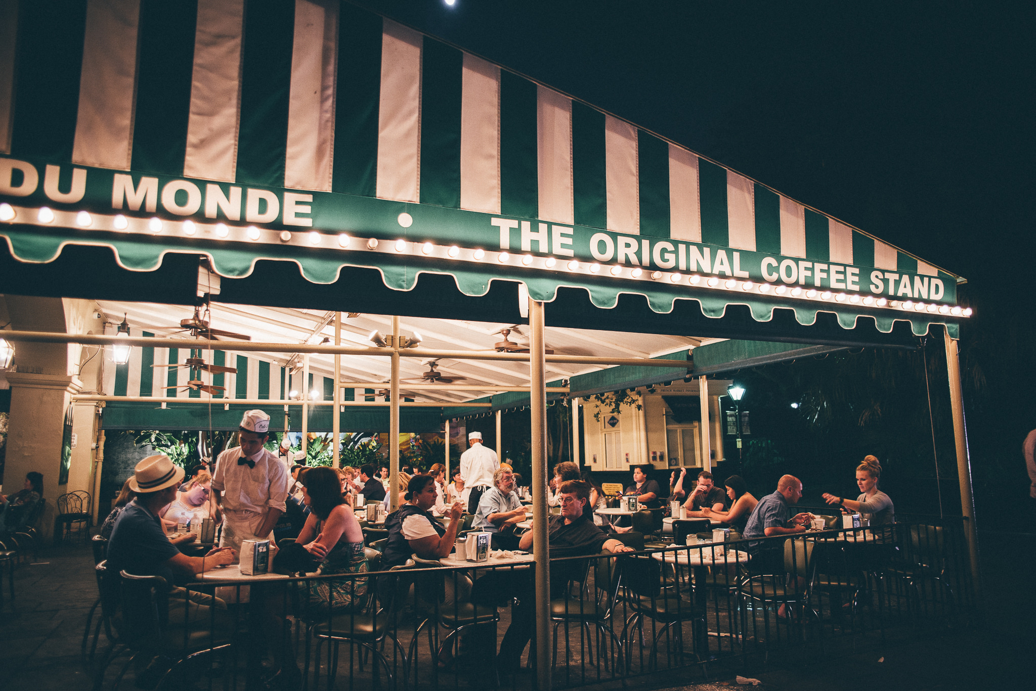 Cafe Du Monde | © Steven Guzzardi/Flickr