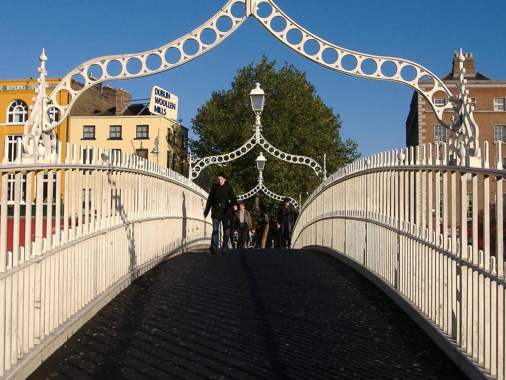 The Ha'penny Bridge, Dublin | © Matt Buck/Flickr