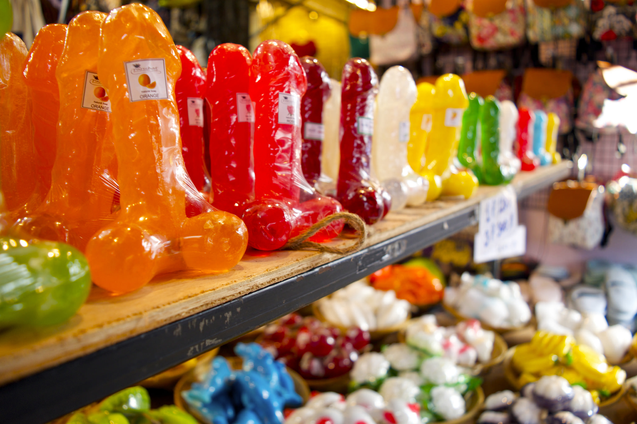 Unique souvenirs to pick up in bangkok