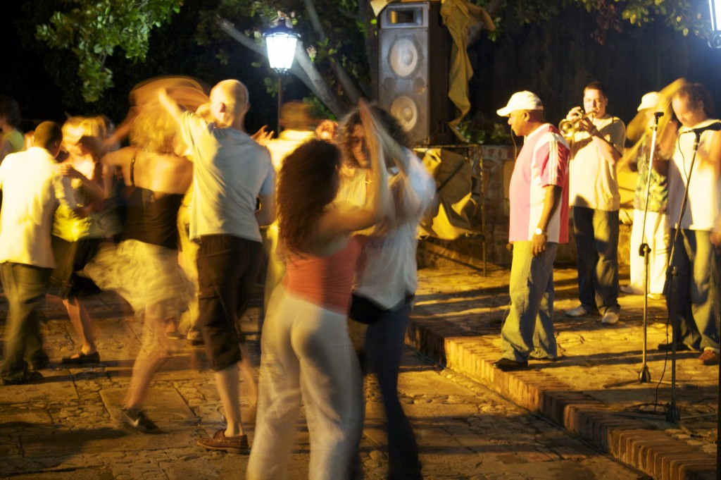 Salsa dancing in Cuba | © anymouse1/Flickr