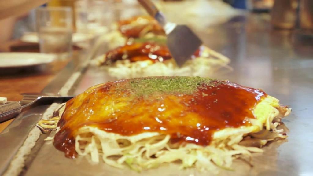 Okonomiyaki © Carlos Madrigal/Vimeo