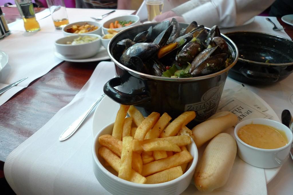 Mussels and Fries | © Franklin Heijnen / Flickr