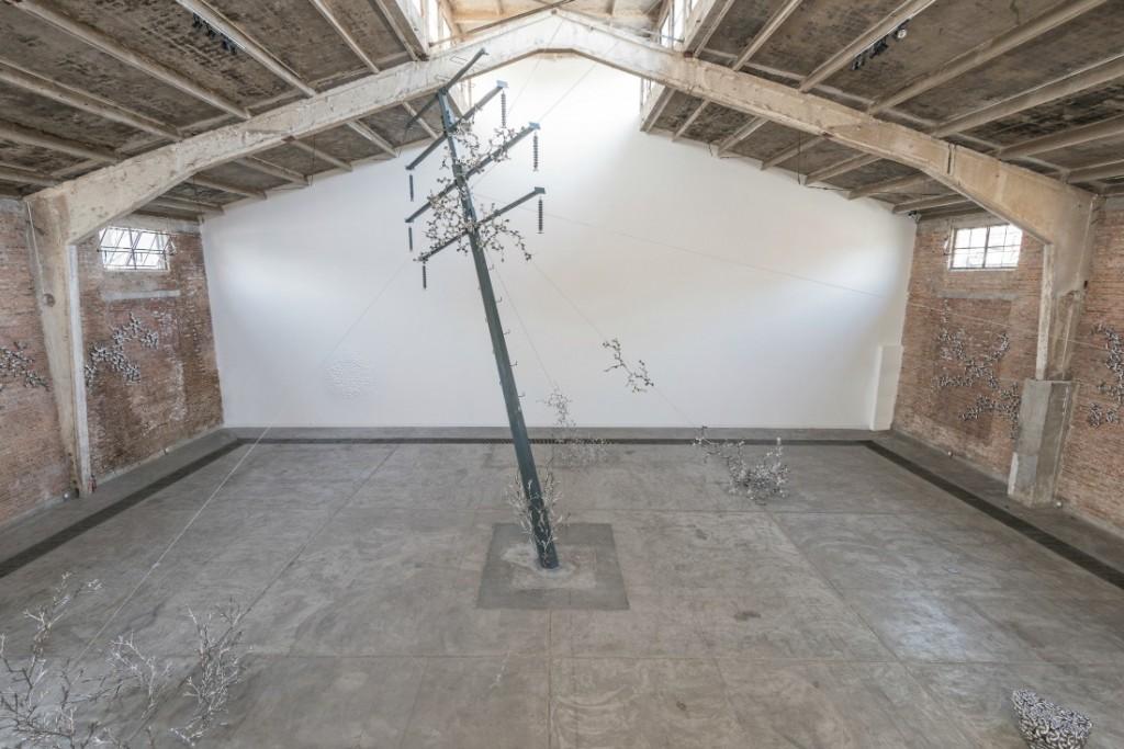 Loris Cecchini, Exhibition view Galleria Continua. Beijing, 2013. | © Oak Taylor-Smith / Courtesy of GALLERIA CONTINUA, San Gimignano / Beijing / Les Moulins / Habana