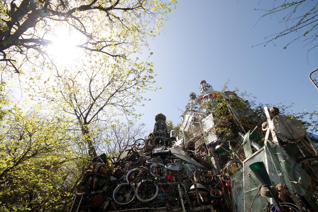 Cathedral of Junk © alamosbasement/Flickr