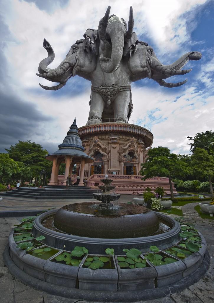 Erawan Museum - Samut Prakan, Thailand © Mike Behnken/Flickr
