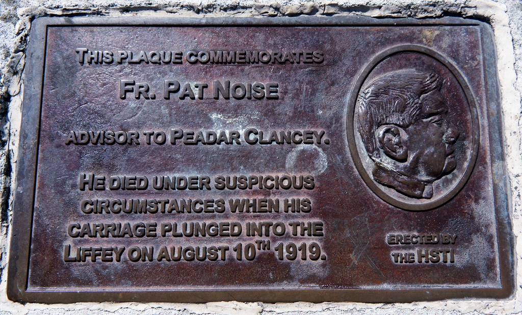 The Fr. Pat Noise Plaque (O'Connell Street Bridge) | © William Murphy/Flickr