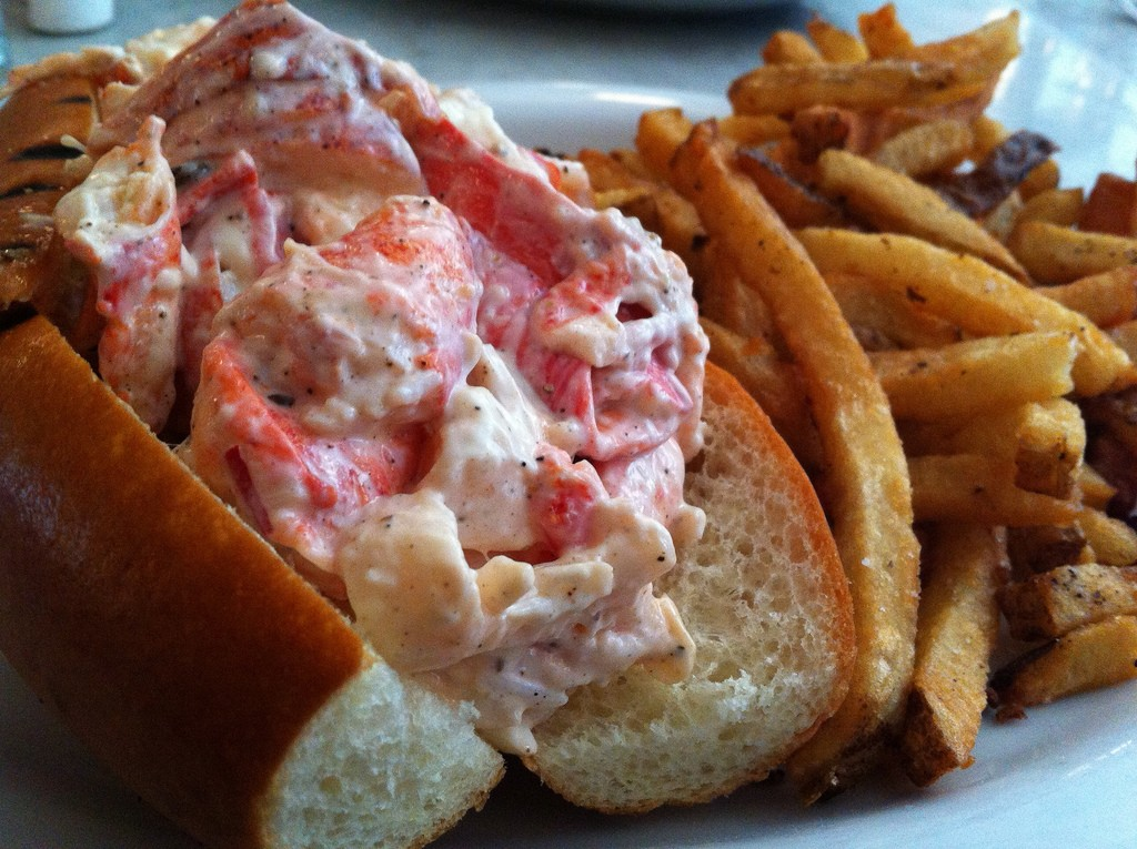 Cold Lobster Roll at Neptune Oyster|© Arnold Gatilao/Flickr