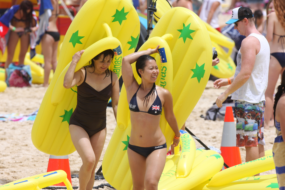 Havaianas 2012 Australia Day Thong Challenge © Eva Rinaldi/Flickr