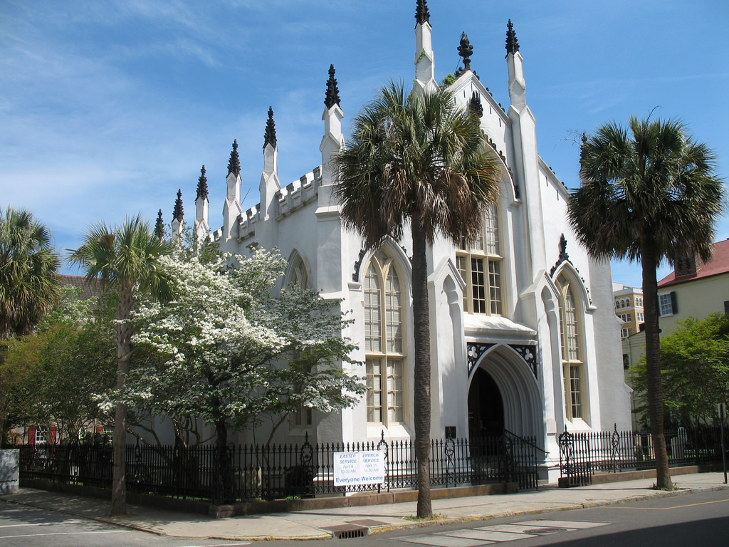 The Huguenot Church (1844), 136 Church Street, Charleston, South Carolina | © Spencer Means/Flickr