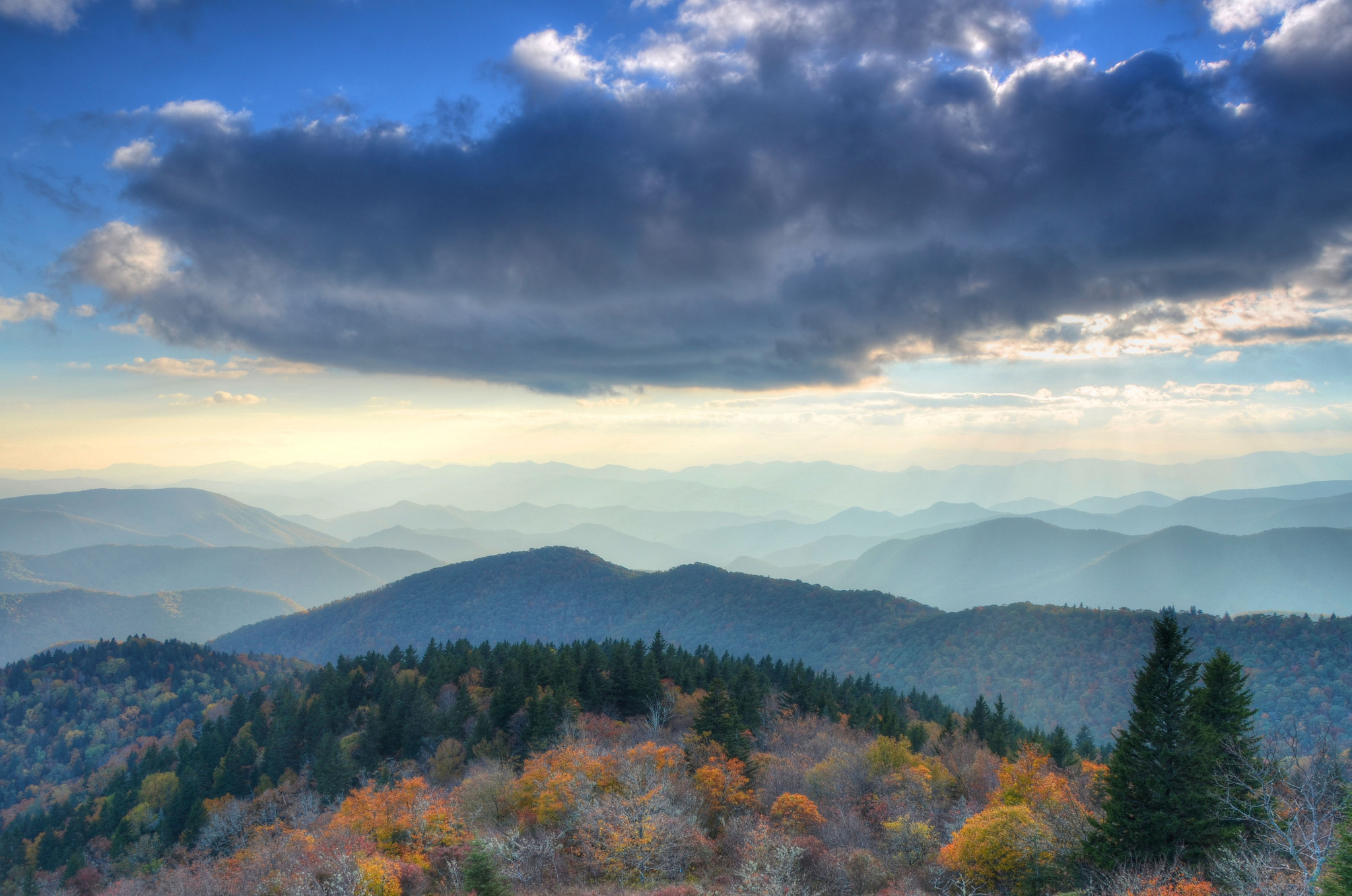Cowee Mountain Overlook, Blue Ridge Parkway | © Mary Anne Baker/Flickr