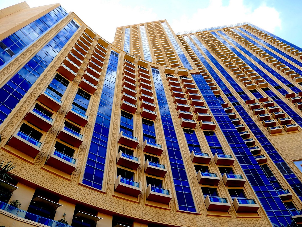 Dubai 39 s best hotels for all budgets for Top hotels in dubai 2016