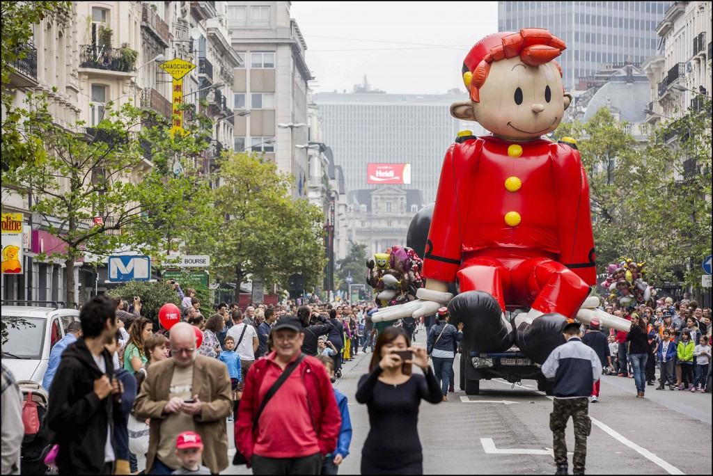 The Spirou balloon happily making its way through the city center | © visit.brussels.be