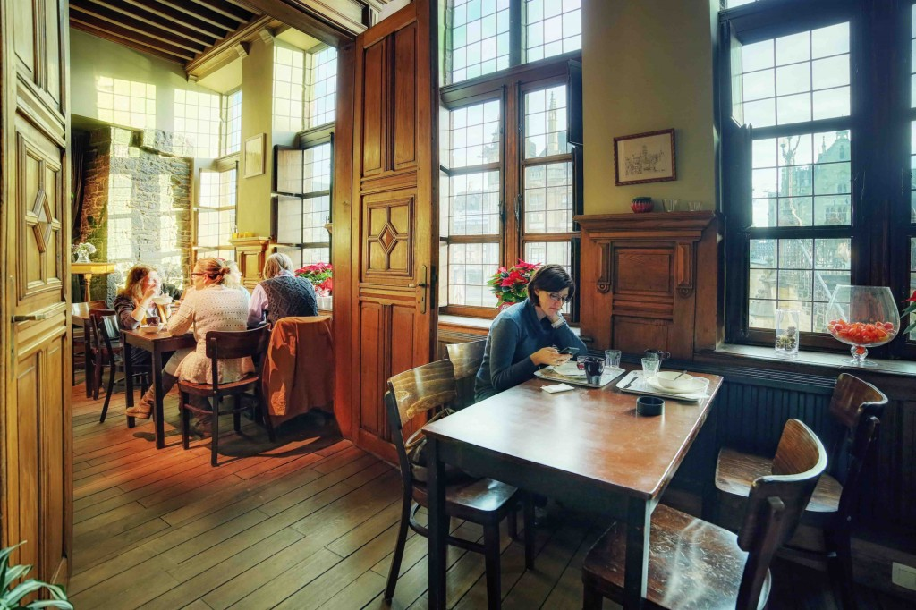 Breakfast comes with a ton of old-world charm at Hostel Uplink | Courtesy of Hostel Uppelink