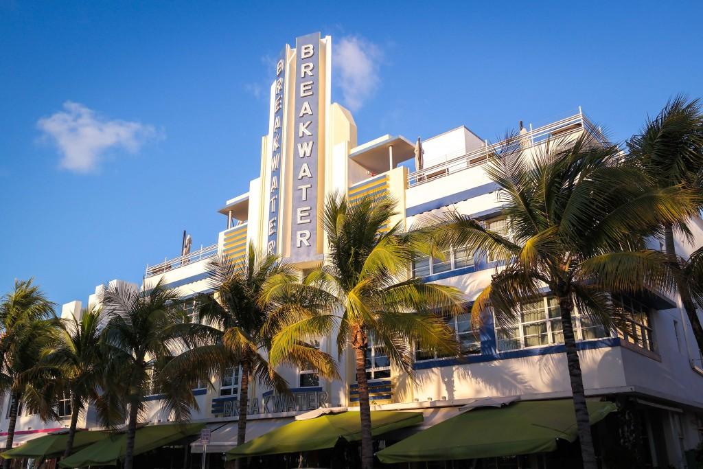 Breakwater Hotel, Miami Beach   Wikipedia Commons