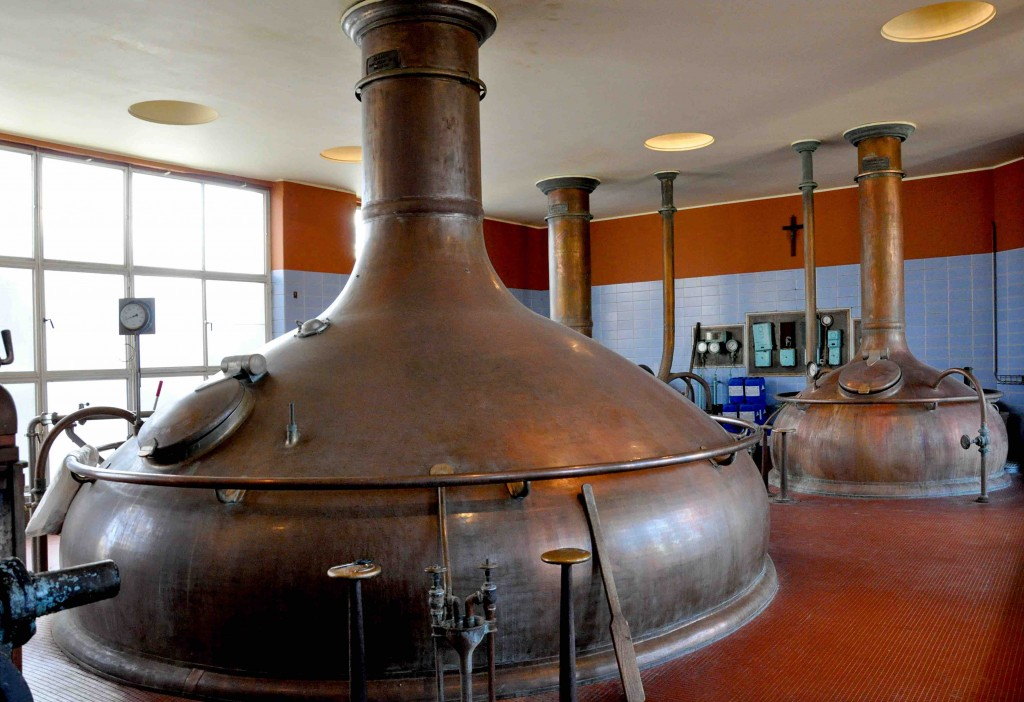 The brewing halls of Het Anker, with massive vats producing the Gouden Carolus   © DirkVE/Wikimedia Commons