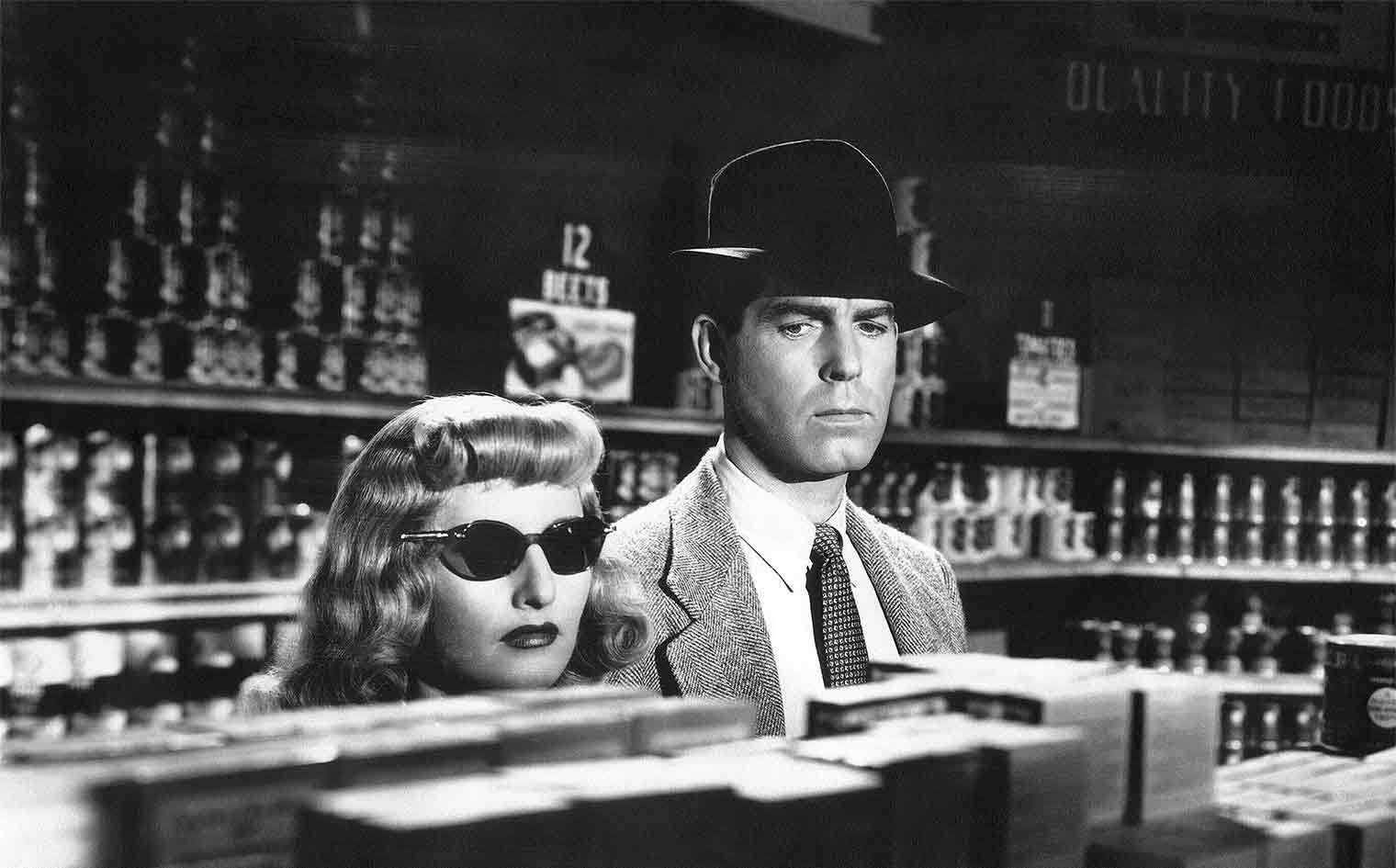 Fred MacMurray and Barbara Stanwyck star in Double Indemnity © Paramount Pictures