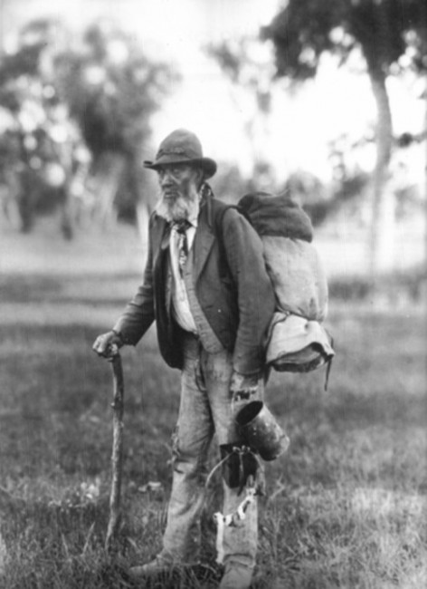Elderly swagman   © unknown / WikiCommons