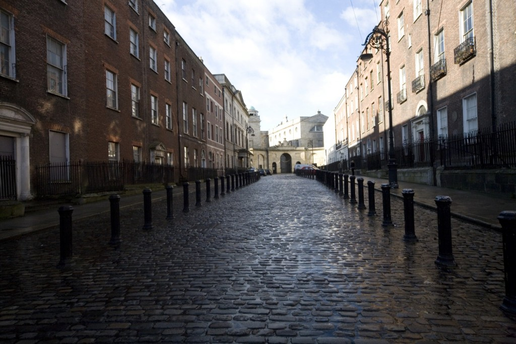 Henrietta Street, Dublin, with the entrance to King's Inns in the background | ©William Murphy/Flickr
