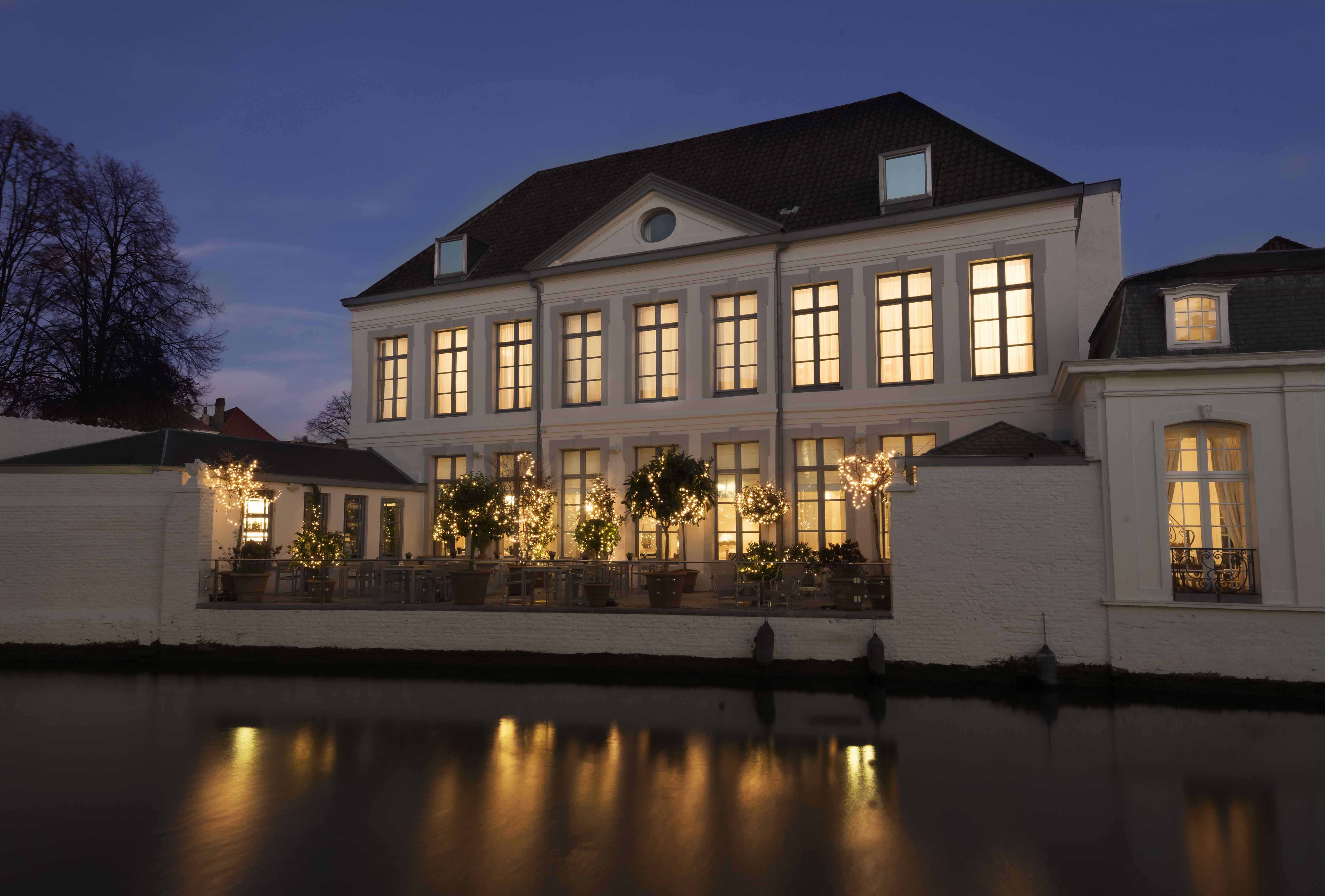 The best hotels to stay at in bruges belgium for Bruges hotels with swimming pools