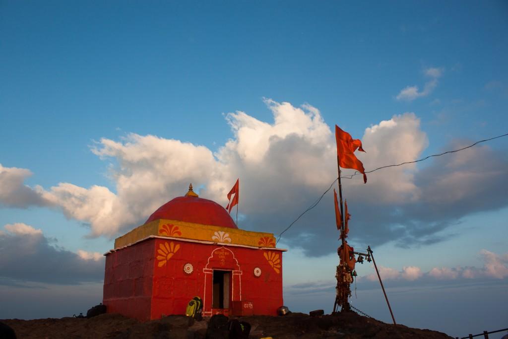 Temple on Kalsubai Peak | © Elroy Serrao/Flickr