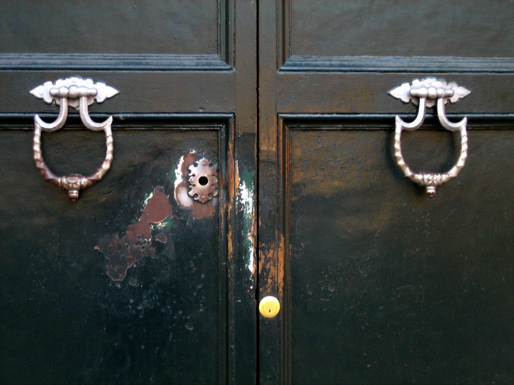 Keyhole | © Flickr/antmoose