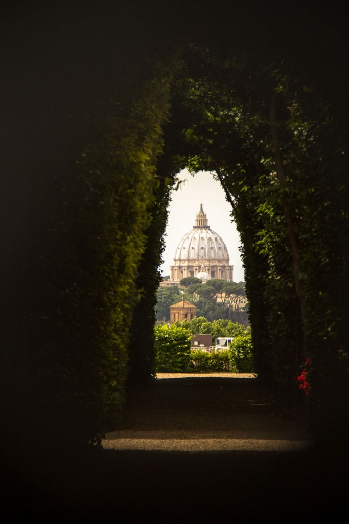Peering through the keyhole | © Flickr/thewannabeartist