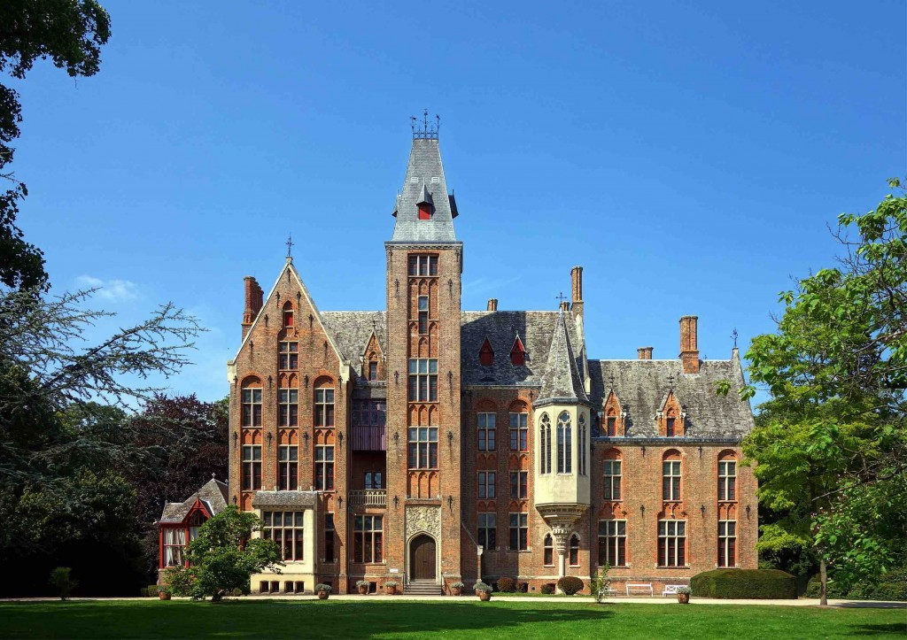 The Neo-Gothic castle of Loppem is somewhat of a time capsule since it's the only Belgian chateau of which the interior and exterior were have been kept in their original state   © Velvet/Wikimedia Commons