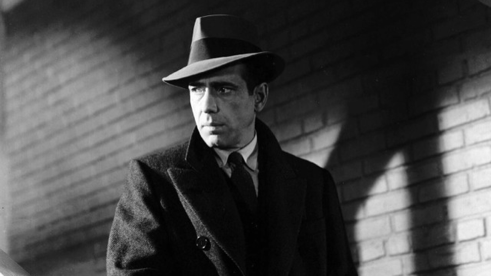 a look at the influential film movements of the 1940s film noir Eddie muller picks the top 25 noir films that will stand the test of time often i'm asked to cite my top ten from the classic film noir era, so i figured it was about time to post.