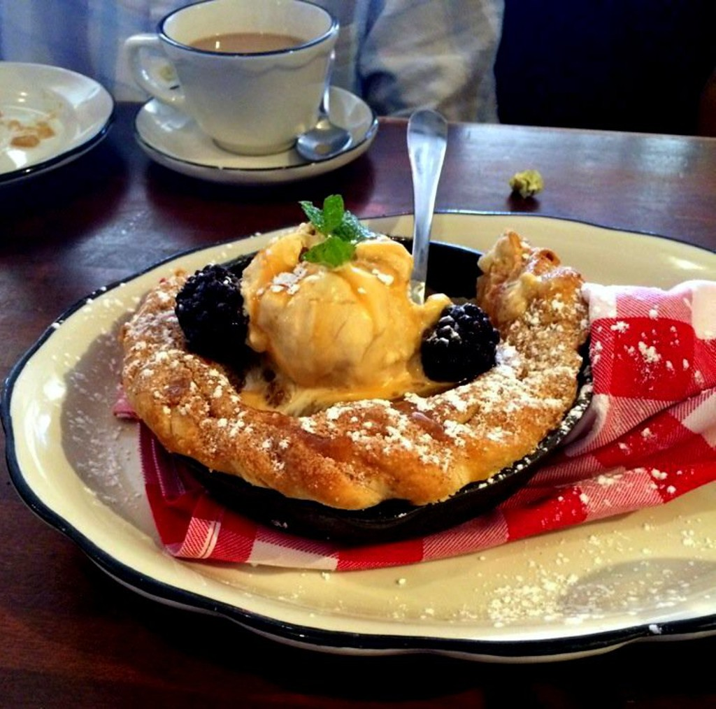 Moonshine Grill, Signature Skillet Apple Pie | Courtesy of Candice C. Nelson of Los Angeles, CA
