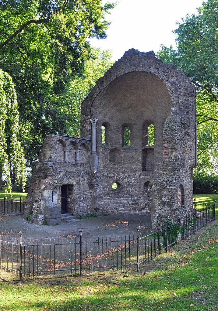 Ruins in Nijmegen | © Marc Ryckaert / Wikicommons]