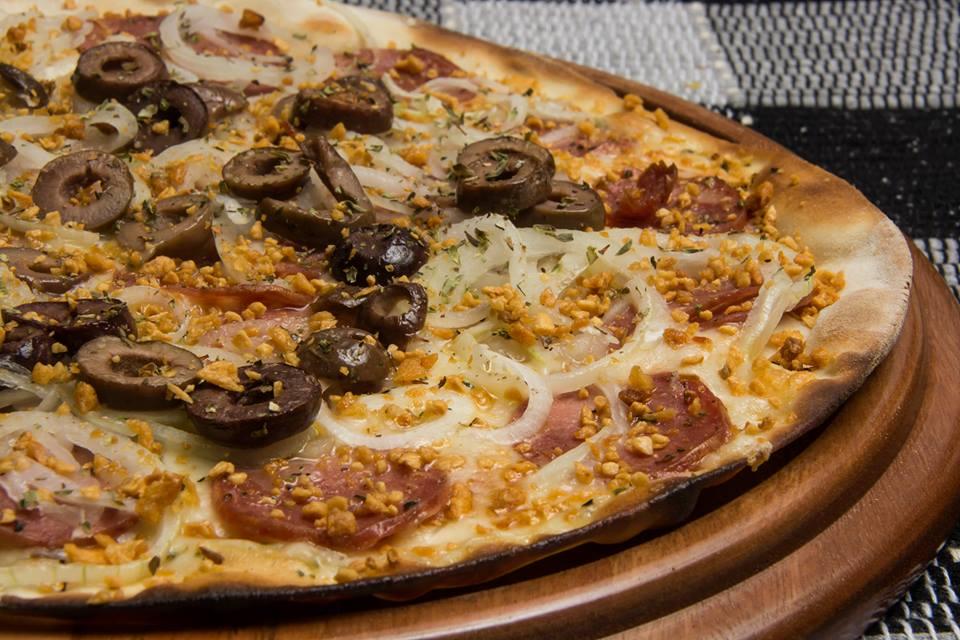 Pizza at Os Renatos | Courtesy of Os Renatos Pizzeria