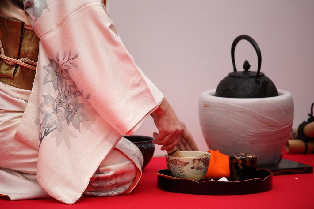 The Tokyo Grand Tea Ceremony is held at Hamarikyu Gardens each fall | © mrhayata/Flickr