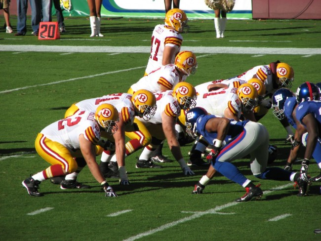 Redskins_vs_Giants_line_of_scrimmage_throwbacks