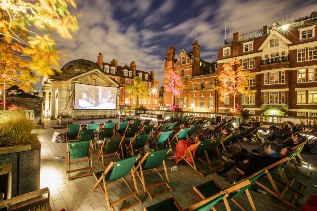 Nomad Cinema at Brown Hart Gardens|©SarahGinn/Nomad Cinema