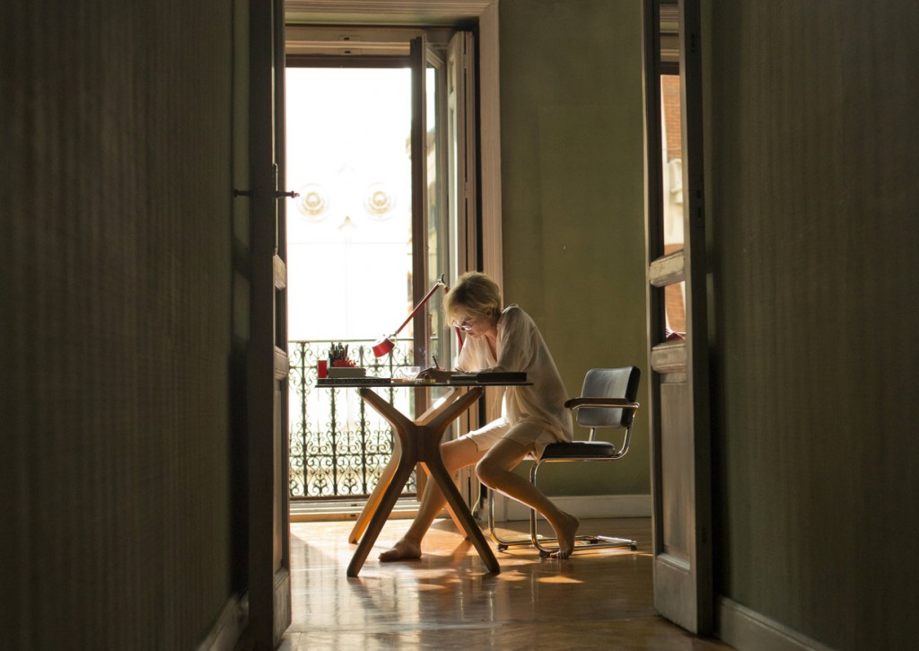 Emma Suárez as Julieta   © Pathe UK/20th Century Fox