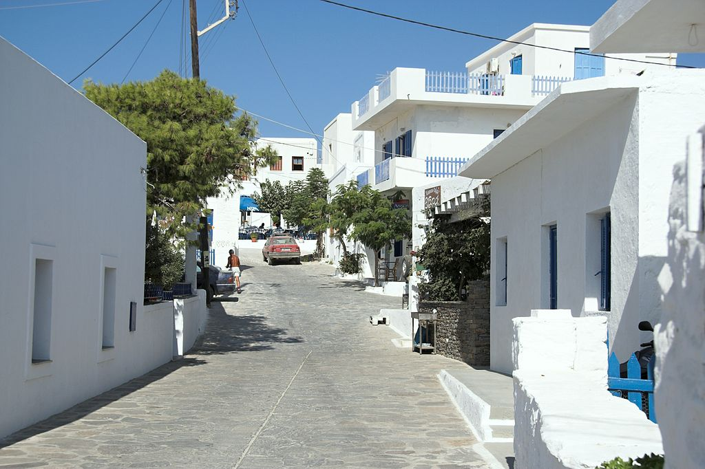 A small street in Chora (main town) in Schinoussa| © Zde/WikiCommons
